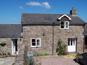Monmouthshire Pet Friendly Holiday Cottage in Chepstow, Wales